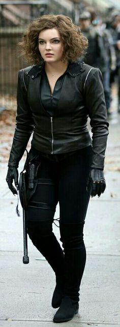 Cameron Bicondova, Camren Renee Bicondova, Celina Kyle, Selina Kyle Gotham, Gotham Season 2, Gotham Tv Series, Gotham Girls, Im Batman, Wardrobe Design