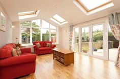 Single storey extension with Velux windows Veranda Design, Terrasse Design, Bungalow Extensions, House Extensions, House Extension Design, House Design, Extension Ideas, Orangerie Extension, Small Sunroom