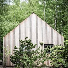 The advantage of a rainy summer is that everything stays green for a lot longer… #cabin #cabinporn #cabinjournal #barnhouse #tinyhome #tinyhouse #tinyhousebuild #designbuild #intothewoods #quietplace #nordic #scandinavian #getaway #interior...