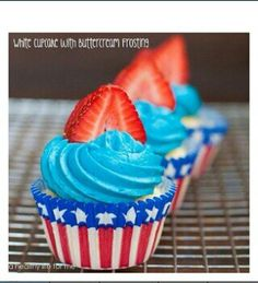 Fourth of July strawberry cupcakes!