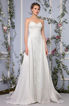The Tony Ward 2017 Bridal Collection is every girl's fairytale dream come true! Filled with the most gorgeous textured pieces in lace, florals, and beads, this setis just bursting with sweet femininity. We are totally swooning over here at the B&B HQ over all of these beauties--I could seriously just fawn over this collection all…