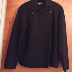 Nwot sweater/ jacket Collared 2 snaps at the top, worn 2x,100% merino wool, dark navy blue2 slit pockets Eileen Fisher Sweaters