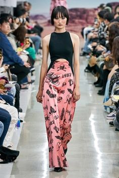Spring Summer 2020 fashion show at Seoul Fashion Week October 2019 . Kye Spring Summer 2020 fashion show at Seoul Fashion Week October 2019 .,Kye Spring Summer 2020 fashion show at Seoul Fashion Week October Seoul Fashion, Fashion 2020, Runway Fashion, Ski Fashion, Couture Fashion, Fashion Trends, Spring Fashion Outfits, Fashion Weeks, Live Fashion