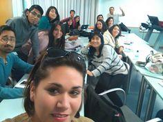 Con el grupo de alumnos llegado desde INACAP Chile disfrutando de una jornada intensa de marketing emocional en UPV Valencia