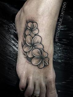 Plumeria Tattoo - quite nice. Mais