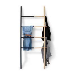 kleiderablage im schlafzimmer wanddeko-moebel-ideen-leiter-zwei-farben-modern