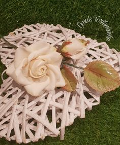 Table Decorations, Flowers, Furniture, Home Decor, Homemade Home Decor, Floral, Home Furnishings, Interior Design, Royal Icing Flowers