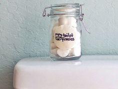 Une astuce brillante pour des toilettes toujours propres et fraiches. Il suffisait d'y penser ! - L'astucerieL'astucerie | Version mobile