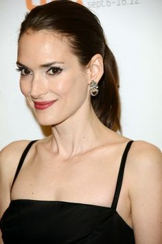 Winona Ryder wearing House of Lavande Vintage earrings! Natalie Portman Mila Kunis, Tim Burton Beetlejuice, Winona Forever, My Fair Lady, Winona Ryder, Halle Berry, Looking Gorgeous, Face And Body, American Actress