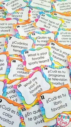 Get to know your students and get them up and moving with these Back to School Task Cards in Spanish and English.  These task cards are a great way to get to know your students at the beginning of the school year. This set contains 28 get-to-know you questions in English (for beginner level I) and in Spanish.