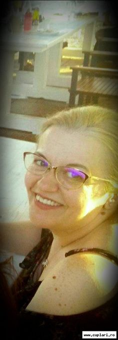 Femei frumoase din Constanta - Femei singure din Constanta Glasses, Fashion, Eyewear, Moda, La Mode, Eyeglasses, Fasion, Eye Glasses, Fashion Models