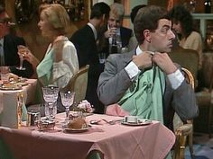 Quick Clip-------Mr Bean - The Restaurant -- Mr Bean arrives at a restaurant on his birthday. He's not sure how to behave. Includes hilarious tasting of wine and napkin sketches. From The Return of Mr Bean.