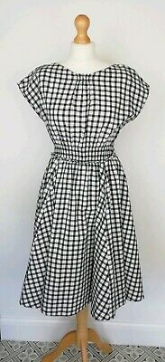 Great used condition, small bleach spot as shown in photos, slight mark to neckline. Fit Flare Dress, Fit And Flare, Japanese Couple, Zara New, Belted Shirt Dress, White Midi Dress, Zara Women, Zara Black