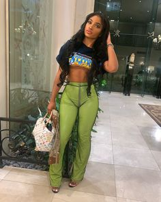 Spoils, new generation phrases fashionable image or manner. Wish to gown as a swaggy? Baddie Outfits For School, Dope Outfits, College Outfits, Trendy Outfits, Summer Outfits, Girl Outfits, Fashion Outfits, Womens Fashion, Fashion Trends