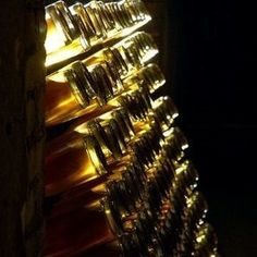 Louis Roederer, Carbs In Beer, Champagne, Wine News, Wine Baskets, Expensive Wine, Shipping Wine, Shipping Boxes, French Wine