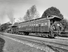 """or Lackawanna photo car."""" Detroit Photographic's rolling studio-darkroom-showroom. Train Car, Train Travel, Vintage Photographs, Vintage Photos, Shorpy Historical Photos, Old Steam Train, Rail Transport, Old Trains, Moving Pictures"""