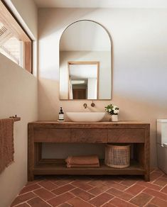 French Home Interior Range View Byron Bay - Pure Locations.French Home Interior Range View Byron Bay - Pure Locations Houses Architecture, Interior Architecture, Interior Design Inspiration, Bathroom Inspiration, Interior Ideas, Interior Plants, Interior Decorating, Wc Decoration, Design Jobs