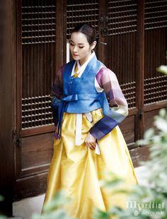 #Hanbok, Korean Traditional Dress Korean Traditional Clothes, Traditional Fashion, Traditional Dresses, Korean Dress, Korean Outfits, Love Fashion, Korean Fashion, Modern Hanbok, Korean Wedding