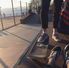 Right now, skate styles is therefore customary in well known way of life, that'd it look like targets for those to use. Tumblr Skate, Tumblr Boy, Skate 3, Skate Girl, 90s Grunge, Grunge Style, Indie Style, Skater Boys, Aesthetic Grunge