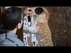 Klimt - The Kiss   Art Reproduction Oil Painting