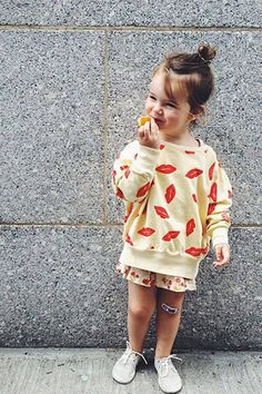 Harpers Bazaar - TRENDY TOTS: 10 STYLISH KIDS ON INSTAGRAM. Stella loves patterns, from birds to bananas to lipstick pouts. Follow @lindseybelle.