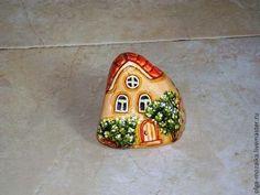 .Pretty little rock cottage!