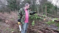 How to ...Traditional Hedge Laying in the South of England Style - *great demonstration of traditional tools*