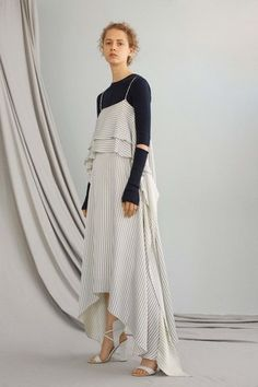 See the complete ADEAM Resort 2017 collection.