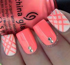 Coral nails! Beautiful