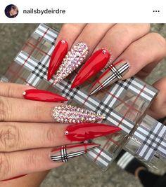 56 + 2019 – 2020 Great clothes, makeup, tattoo, home and nail designs – Sayfa 56 – Fashion & Beauty Aycrlic Nails, Dope Nails, Bling Nails, Swag Nails, Coffin Nails, Red Stiletto Nails, Nail Nail, Burberry Nails, Nagellack Design