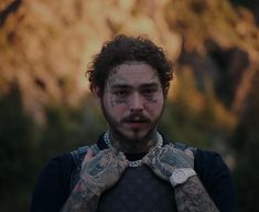 Post Malone fans go check out the music video for Saint-Tropez which came out today! 🎧 Posty looks fresh, wearing a three piece suit surrounded with luxury cars in a very scenic location 🏔🏔 What do you all think of the track? Saint Tropez, Daft Punk, Post Malone Lyrics, Post Malone Music, Post Malone Wallpaper, Rapper, Love Post, Hollywood, Heavy Metal Bands