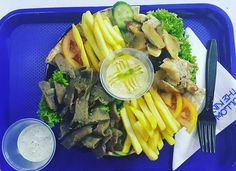 The Gyro platter @gogyroz #zomato #zomatodubai #zomatouae #dubai #dubaipage #mydubai #uae #inuae #dubaifoodblogger #uaefoodblogger #foodblogger #foodreview #foodpic #foodphotography #foodporn #foodgasm #foodstagram #gyroplate #beeflover #chickenlovers #tahina #pitabread #frenchfries #hummus #gogyroz #jlt #jltclusterd