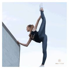 Flexible body - flexible mind...Keep stretching in INA KESS // Our Serpentine Pants presented by ballet dancer eureka.m #inakess #ballet