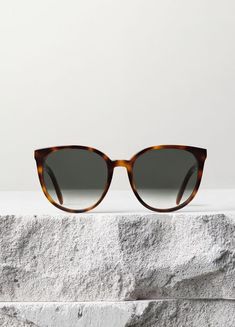 CÉLINE womens' sunglasses - gorgeous tortoiseshell frame.