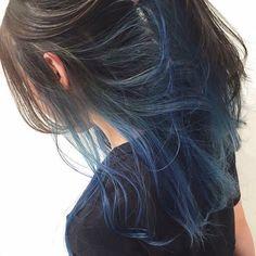 Hair Color Streaks, Ombre Hair Color, Hair Highlights, Peekaboo Hair Colors, Hidden Hair Color, Hair Color Underneath, Aesthetic Hair, Dyed Hair, Curly Hair Styles