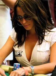 Kimberly Lansing is a tv host for the World Poker Tour (WPT). #poker #babes