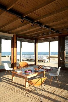 home inspiration: THE PERFECT HOLIDAY BEACH HOUSE