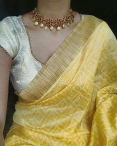 Mid week experiments with this diaphanous drape from & choker from 🌸 Indian Attire, Indian Wear, Indian Outfits, Indian Clothes, Indian Style, Indian Ethnic, Indian Dresses, Trendy Sarees, Stylish Sarees
