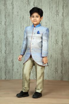 Polyester Synthetic fabric Indowestern sherwani embellished with thread work Baby Boy Fashion, Kids Fashion, Kids Kurta, Kids Indian Wear, Boys Kurta Design, Kids Wear Boys, Indian Outfits, Indian Clothes