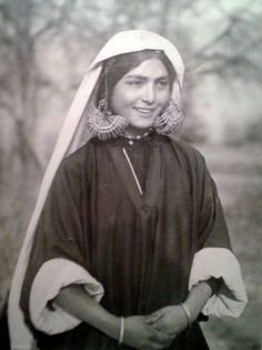 Kashmiri woman, India. 1939 (521x700, 212Kb)