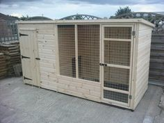 Used Dog Kennels, Dog Kennel And Run, Cheap Dog Kennels, Wooden Dog Kennels, Dog Kennel Cover, Diy Dog Kennel, Kennel Ideas, Dog Kennel Designs, Outside Dogs
