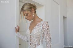 La collezione di abiti da sposa 2016 di Riki Dalal, in esclusiva per Passaro Sposa presso gli atelier di Cava de' Tirreni, Salerno e Battipaglia.