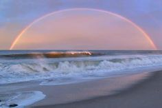 180-degree rainbow over the ocean ... Wow!!!