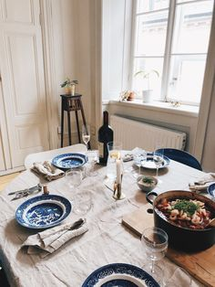 Elsa Billgren - Part 14 Kitchen Time, Kitchen Dining, Dining Room, Blue Table Settings, Interior Styling, Interior Design, Welcome To My House, Design Living Room, Transitional Decor