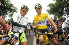 Contador and Gallopin at the start of stage 10,  Mulhouse-La Planche des Belles Filles.