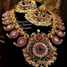 Photo by lotus jewellery store on January Lotus Jewelry, Silver Jewelry, Temple Jewellery, Necklace Designs, Indian Jewelry, Jewelry Stores, Jewelry Collection, Emerald, Fashion Jewelry