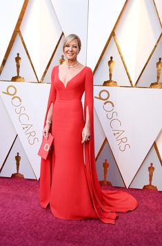 2018 Oscars - Allison Janney in Reem Acra, Forevermark jewelry, and with a Roger Vivier bag