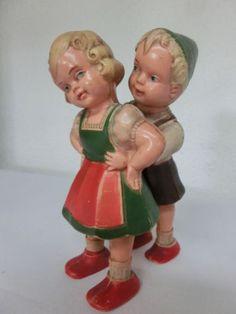 altes-Schildkroet-Puppenpaar-Toni-und-Vroni-Rampenlaeufer-mechanisch-selten