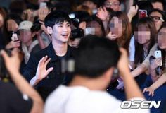 Kim Soo Hyun makes rare public appearance at Train to Busan VIP movie premiere
