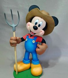 Disney Pixar, Disney Characters, Disney Jr, Mickey Mouse Toys, Clay Figures, Clay Animals, Polymer Clay Projects, Disney Junior, Cold Porcelain